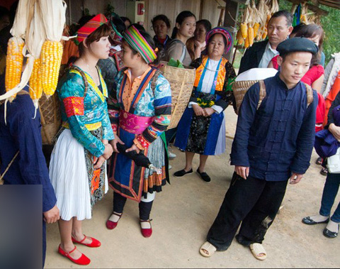 the unconventional marriage practices of the hmong people Clan groups are exogamous: that is, hmong may not marry within their own clan   (tiam mej koob) in the 21st century, hmong people who practice christianity.